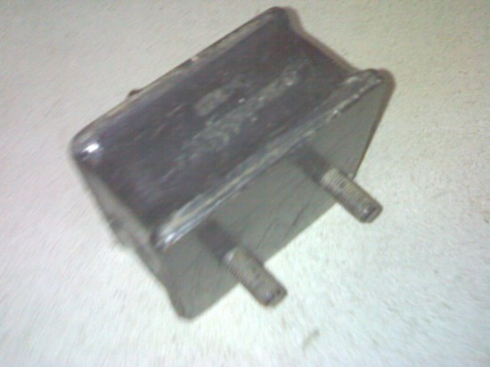 Mercedes 352 front engine mounting