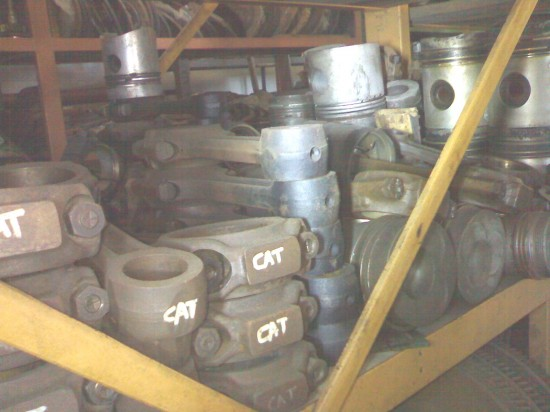 Pistons & conrods (various)